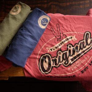 V's Men's Tshirts rolled up